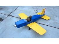 怎麼會這樣?松鼠挾持遙控飛機 把它開上天了