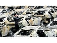 河南停車場火燒73輛新車 30輛凱迪拉克變廢鐵