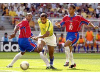 國際足球/日韓世界盃巴西奪冠功臣 剪刀腳李華多退休