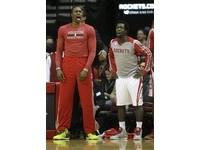 NBA/腳踝扭傷連缺3戰 霍華德「技癢」痛恨坐板凳