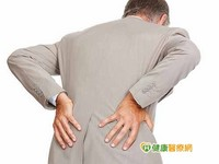 下背痛纏身 恐長期姿勢不良惹禍