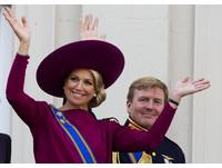 荷蘭王后長得太美 國王遭35國領袖忽視成人形立牌