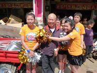 獅潭80歲老翁募捐3300斤白米 受贈喜憨兒淚眼致詞感謝