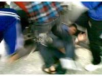 快訊/往死裡踹! 桃園中學生集體暴打外勞