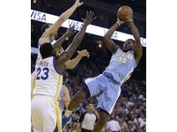 NBA/半獸人0.5秒「一擊絕殺」 勇士柯瑞無奈1分吞敗