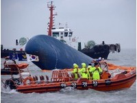 「船長自己搶著逃生」南韓船難倖存者爆料 家屬氣炸