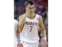 NBA/火箭開啟交易「豪」門 傳七六人、公鹿有意接收