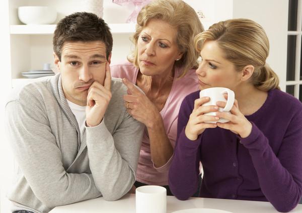 婆婆、岳母、婆媳、媳婦、夾心餅乾、丈夫、先生、老公萬用圖。(圖/示意圖/達志影像)
