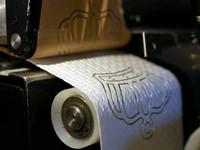 霸氣!澳商推出土豪「黃金廁紙」 方便一次要價上百萬