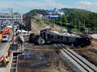 油罐車載3萬公升汽油撞火車 馬來西亞大爆炸