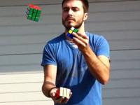 西班牙型男單手雜耍解魔術方塊 世界紀錄第一保持人