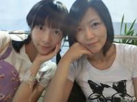 神基因!《長江七號》徐嬌與媽媽合照 大眼挺鼻似姊妹