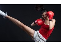 「翹臀女王」張昀昀打泰拳全身傷 槓上進階班同學照拚