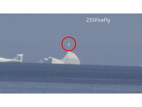 UFO停在加拿大冰山上 旋轉變形好詭異