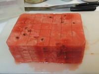 酷!台灣自創智慧型切西瓜法 超省冰箱空間