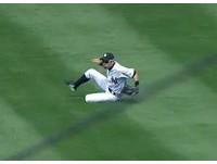 MLB/鈴木一朗緊急滑接 搶救田中將大勝投