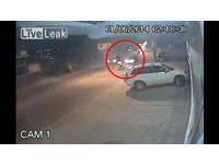 巴西驚悚車禍直擊! 逆向盲彎超車奪2命