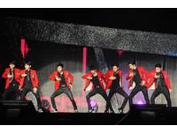 賺到了!SJ-M衝入粉絲群握手 平息始源缺席怒火