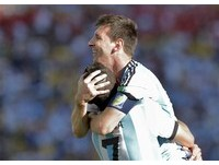 世足賽/批阿根廷未拿出實力 馬拉度納:梅西很孤獨!