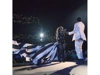 碧昂絲演唱會暗批傑斯劈腿 曬全家福恩愛照和局收場