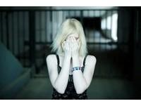 美警察在警車中 兩次性侵17歲少女