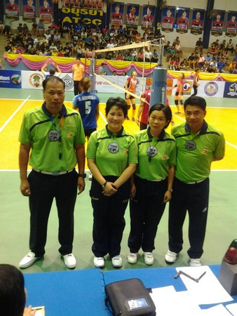 亚青女排 台湾首位女国际排球裁判 锺青如亚运执法 高清图片