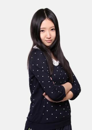 17岁 楼道王菲 刘美麟 歌声狂吸4百万人浏览