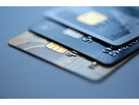 刷卡繳稅入帳 月簽帳金額首度突破2000億