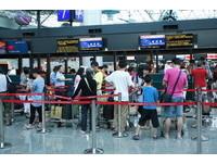 桃機春節塞爆要旅客提早3小時報到 航空公司卻沒開櫃