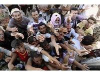 伊拉克難民慘境 父母割肉餵血給孩子解渴