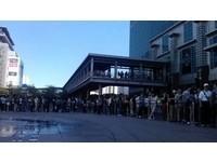 ZARA場內外人潮湧現!已8000人進場 學生非主力