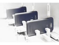 iPhone+Galaxy SII合體技?小米機7千元低價攻台戰HTC