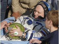 加菜! 俄國太空人也能享用「魚子醬和無糖茶」
