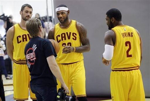 NBA 詹姆斯骑士亮相喊夺冠 减重 全为挑战自我图片