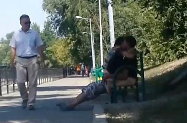 哈薩克,活春宮,野戰,情侶,公園