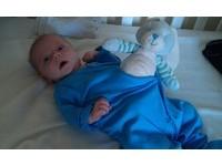 嬰兒cosplay電影畫面 扮《異形》也萌爆!