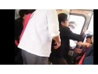 搶座位手遭夾傷 女陸客反怪台鐵車門設計差