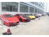 香港12輛超跑入境深圳 高速公路狂飆衝破250時速