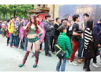 《魔獸世界》回沃派對登場!上千玩家與製作人擁抱回憶