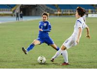 東亞盃/女足的美麗與哀愁 工作、踢球2選1