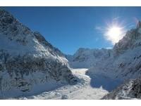 這畫面讓人停止呼吸!法國「冰海」冬季急凍美感超驚人