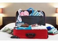 鞋子放進浴帽裡!旅行達人提供專業8個「打包行李秘訣」