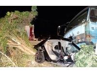 水泥車逆向撞2車 醉駕駛「我工作辛苦,他們還撞我」