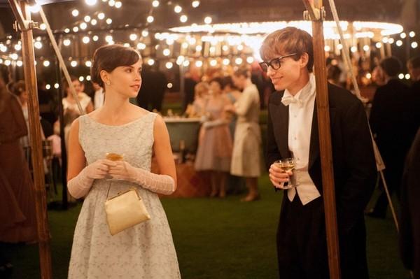 电影万物理论里霍金的老婆图片_才看了电影万物理论来八八霍金的婚姻吧