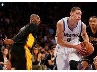 NBA/林書豪防守還是不行? 遭灰狼19歲菜鳥予取予求
