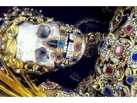 羅馬「土豪墓葬群」出土! 渾身披滿珠寶全真貨
