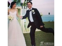 李嘉欣慶結婚6週年 放閃示愛富商老公:你是那對的人