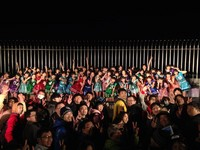 破AKB開唱登高紀錄!HKT48指原莉乃短裙露腿冷到皮皮挫