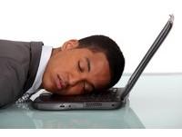 休假就瘋狂睡覺 容易爆肥引發疾病