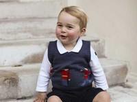 英國喬治小王子賣萌 衛兵小背心賣光光